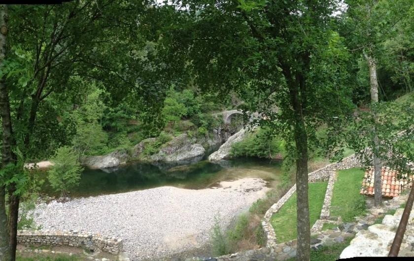 Location de vacances - Villa à Thueyts - Notre beau Pont du Diable et ses plages aménagées trés beau site touristique