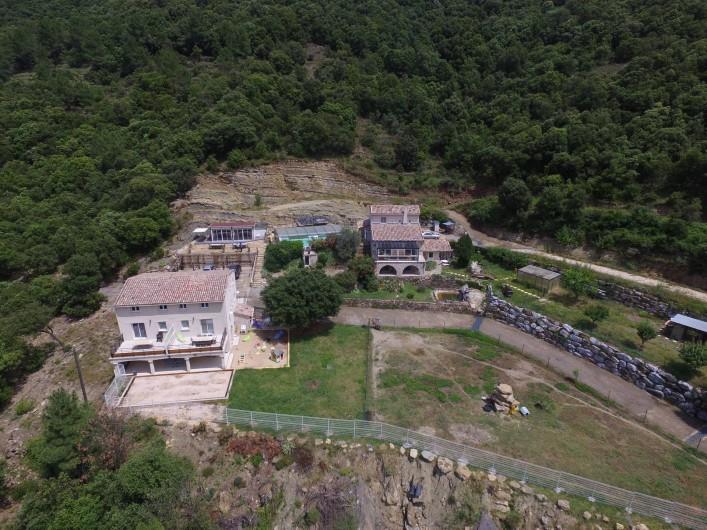 Location de vacances - Gîte à Le Martinet - VUE AERIENNE DE LA PROPRIETE