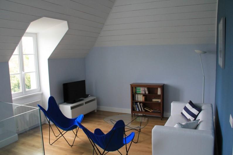 Location de vacances - Villa à Primelin - A l'étage, mezzanine coin lecture et coin TV.