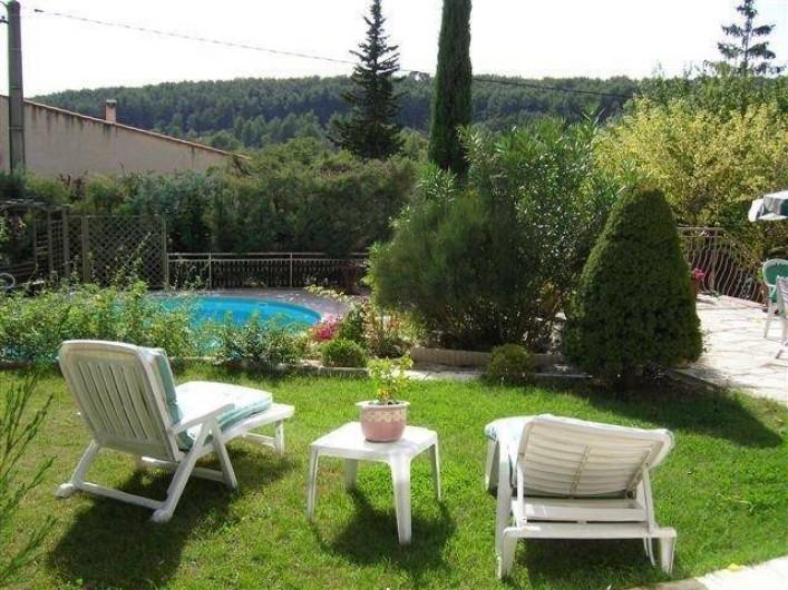 Location de vacances - Villa à Les Figons - la piscine et la vue