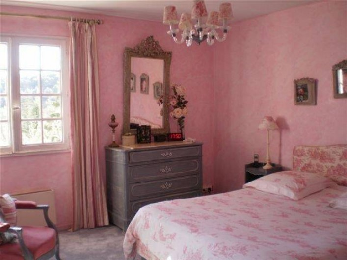 Location de vacances - Villa à Les Figons - la chambre rose : lit double 160cm