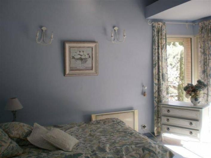 Location de vacances - Villa à Les Figons - la chambre bleue  lit 160cm