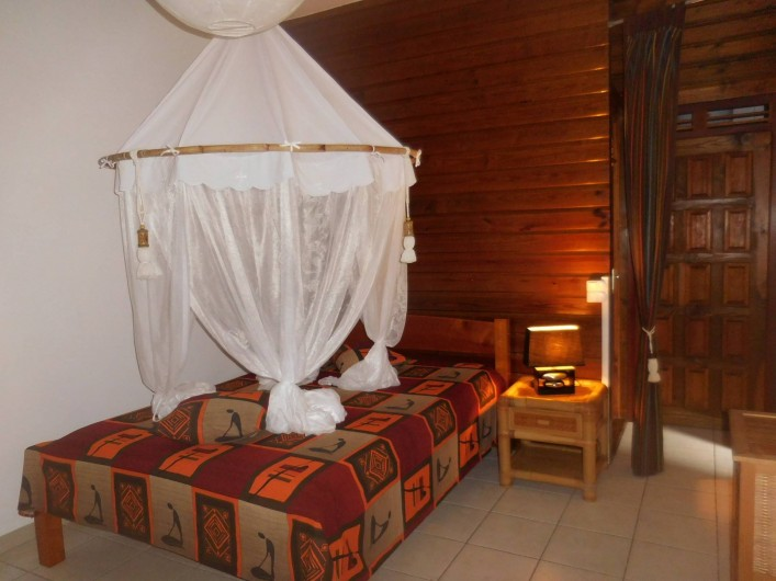 Location de vacances - Gîte à Deshaies - la première chambre