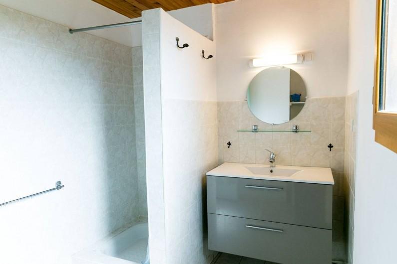 Location de vacances - Gîte à Dourbies - salle d'eau