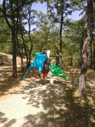 Location de vacances - Camping à Bauduen - Chemin du Lac