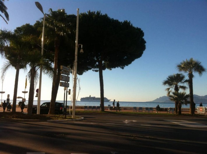 Location de vacances - Appartement à Cannes - accès sur la Croisette