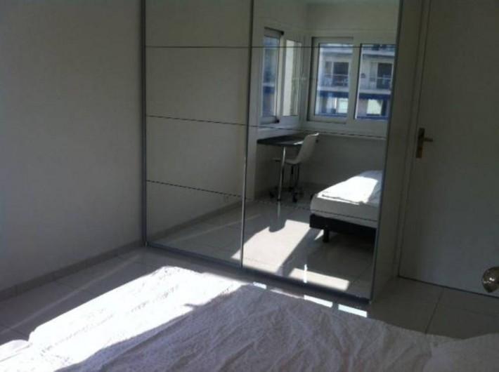 Location de vacances - Appartement à Cannes - Chambre 1 avec rangements