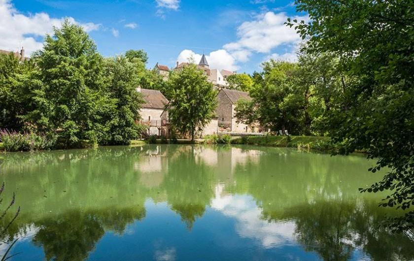 Location de vacances - Gîte à Rix - Le moulin et le village de Rix