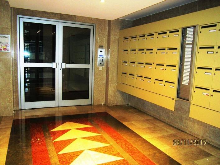 Location de vacances - Studio à 15e Arrondissement - hall d'entrée de l'immeuble
