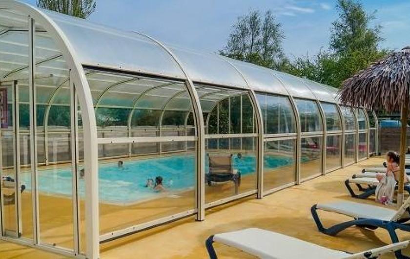 Location de vacances - Bungalow - Mobilhome à Saint-Benoît-des-Ondes - La piscine couverte