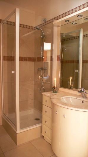 Location de vacances - Appartement à Vaujany - Salle de douche