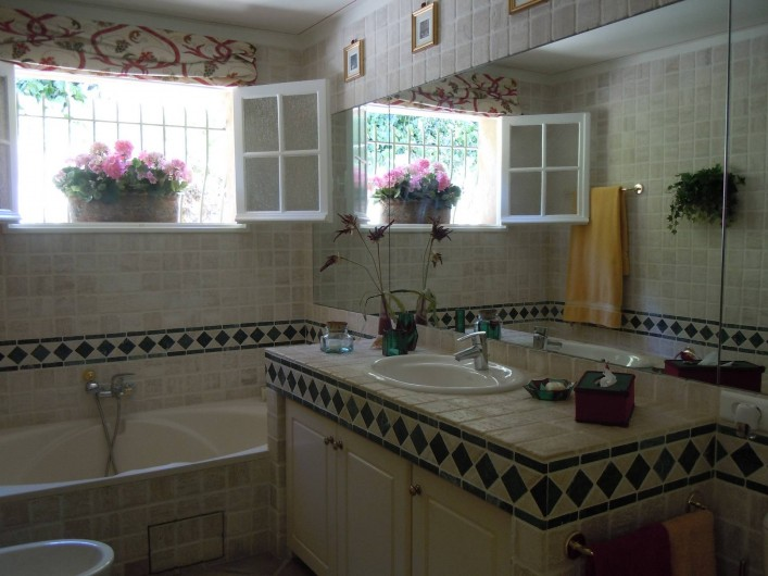 Location de vacances - Villa à Théoule-sur-Mer - salle de bains