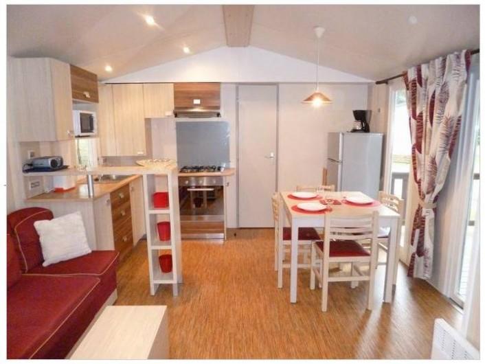 Location de vacances - Bungalow - Mobilhome à Saint-Brevin-les-Pins - Vue sur le coin repas