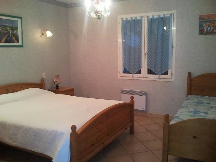 Location de vacances - Villa à Lamanon - chambre avec lit deux place 160 et lit de une place de 90