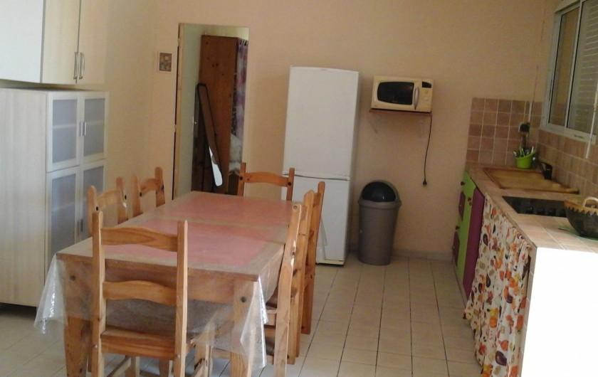 Location de vacances - Appartement à Saint-Joseph - Espace fonctionnel salle à manger avec tout le nécessaire en électroménager