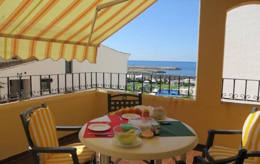 Location de vacances - Appartement à Urbanización Cabopino - Incontestablement un atout majeur de l'appartement :  sa terrasse plein sud !