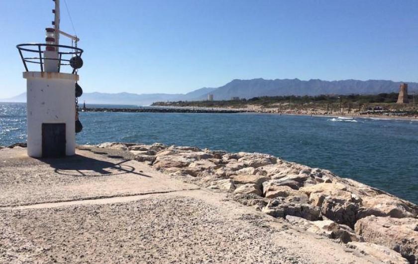 Location de vacances - Appartement à Urbanización Cabopino - La digue : point de vue imprenable !