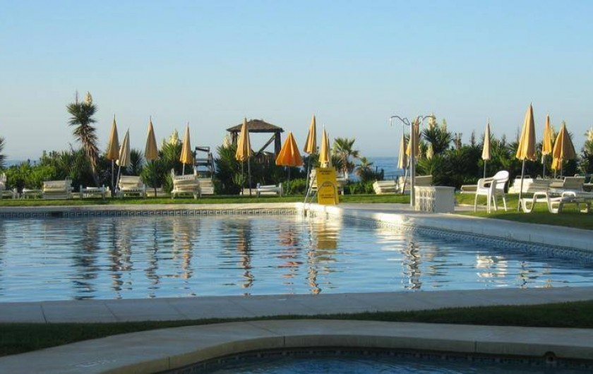 Location de vacances - Appartement à Urbanización Cabopino - Piscine semi-olympique d'eau douce et pataugeoire pour les petits !