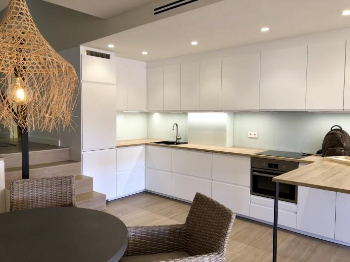 Location de vacances - Appartement à Urbanización Cabopino - Cuisine ouverte suréquipée