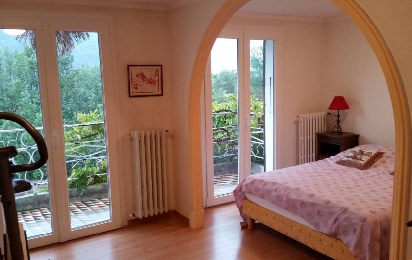 Location de vacances - Villa à Cantaron - La première chambre (donnant sur le jardin et la piscine)