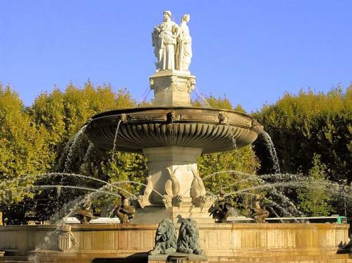 Location de vacances - Gîte à Saint-Cannat - fontaine de la rotonde  AIX EN PROVENCE