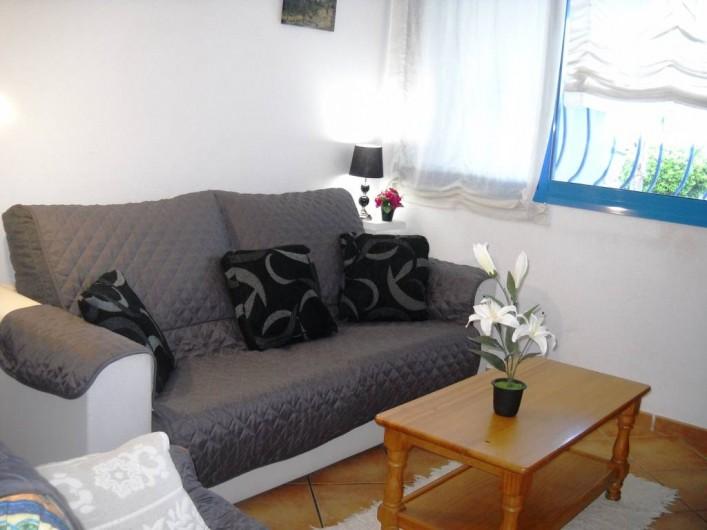Location de vacances - Appartement à Peníscola - Séjour canapé lit