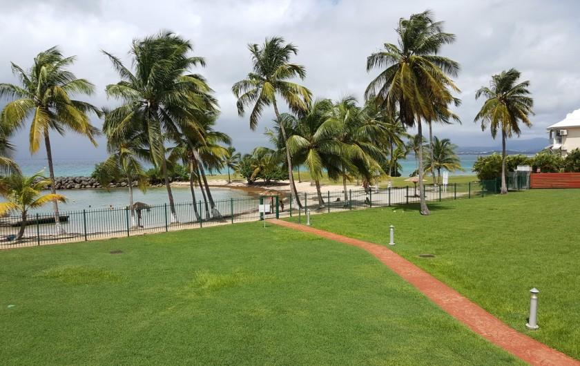 Location de vacances - Appartement à Bas du Fort - Vue panoramique sur la mer des caraïbes