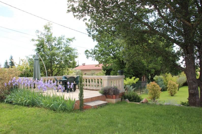 Location de vacances - Gîte à Régusse - 1 partie du jardin