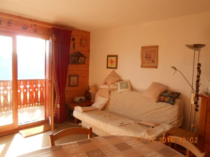 Location de vacances - Appartement à Villard-sur-Doron - Le salon, avec le clic-clac
