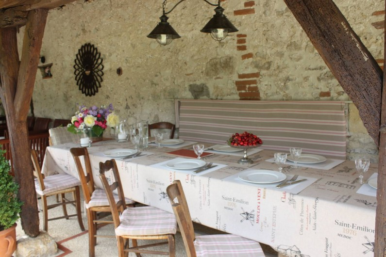 Location de vacances - Gîte à Saint-Aubin - terrasse table 10 couverts