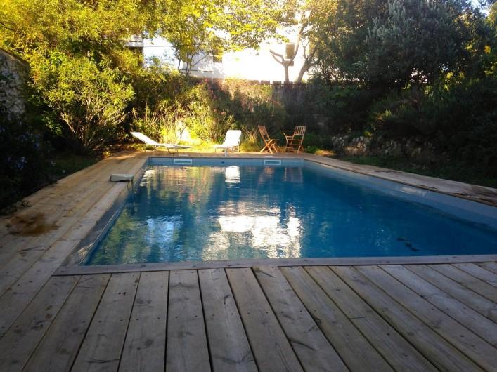 Location de vacances - Mas à Marseille - Jardin et piscine