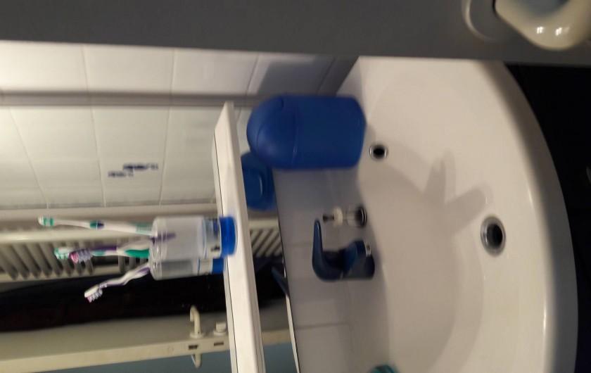 Location de vacances - Appartement à Collioure - salle de bains