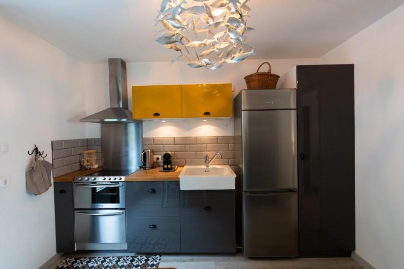 Location de vacances - Appartement à Binic - Cuisine équipée donnant sur une terrasse de 30 m2 au calme -