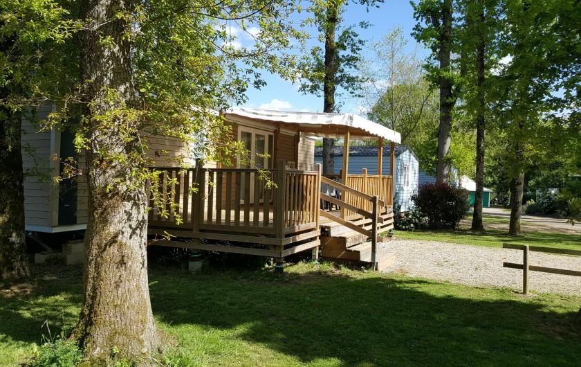Location de vacances - Camping à Girac - Chalet Smala 4 chambres 8p