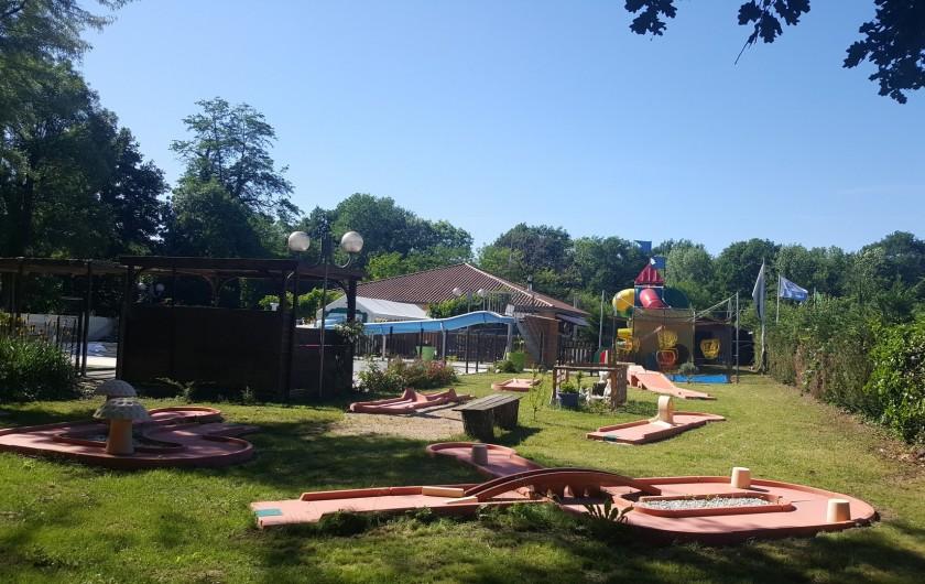 Location de vacances - Camping à Girac - minigolf
