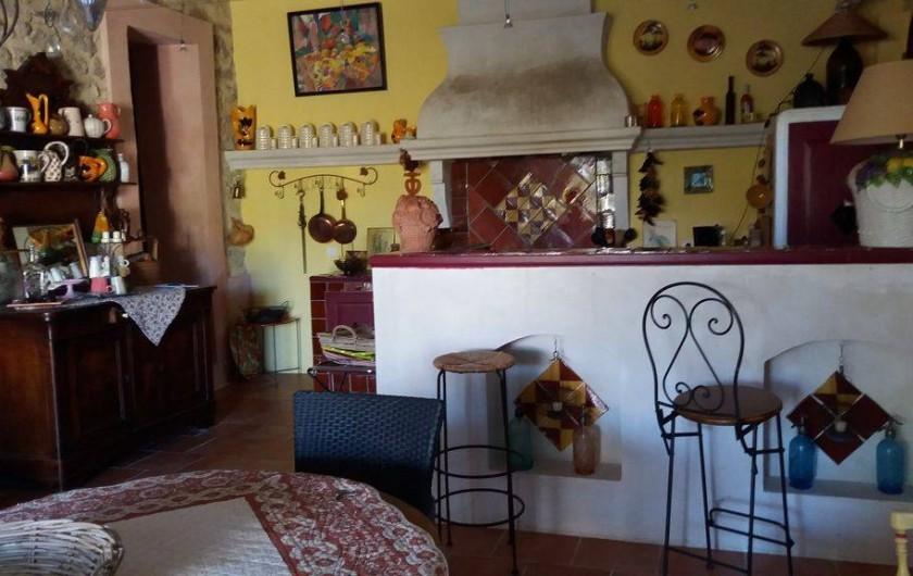 Location de vacances - Maison - Villa à Cheval-Blanc - cuisine ouverte sur séjour