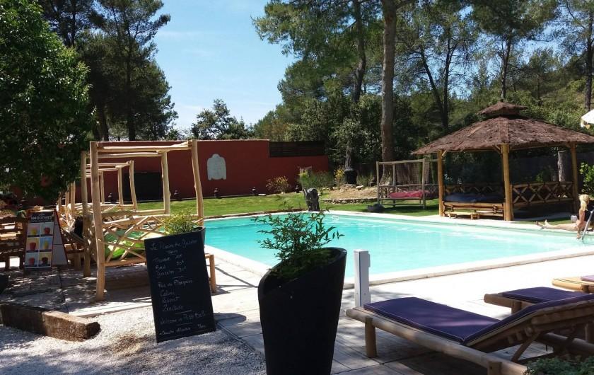 """Location de vacances - Maison - Villa à Cheval-Blanc - restaurant piscine """"le Gazebo"""" à 1km 700 réservation obligatoire"""