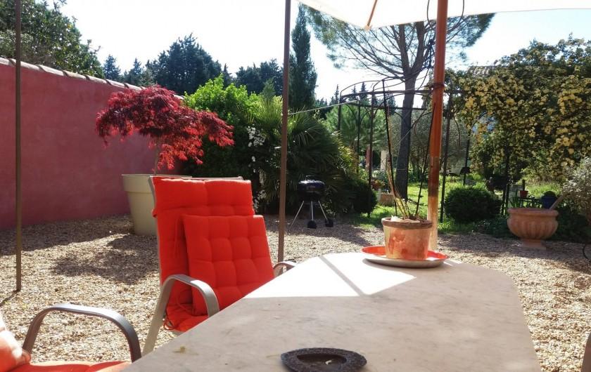 Location de vacances - Maison - Villa à Cheval-Blanc - bronzage en toute nudité protéger par le mur du vent et des regards