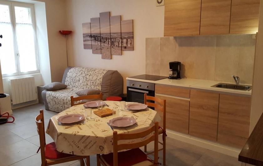 Location de vacances - Appartement à Cancale - Séjour-cuisine + BZ en 160