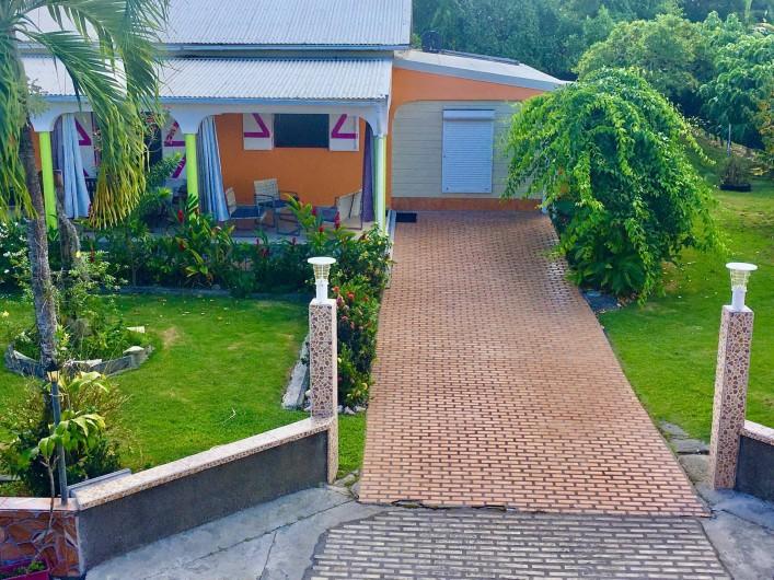 Location de vacances - Villa à Douville - Stationnement privé pour 2 voitures