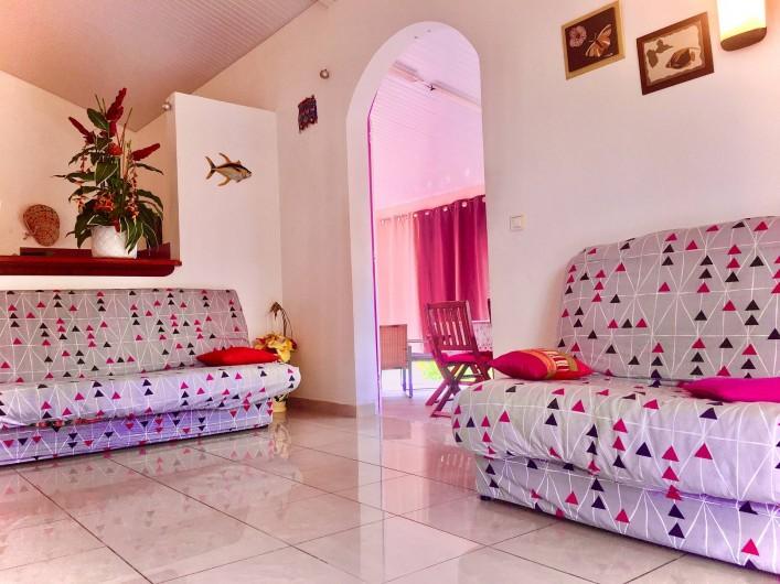 Location de vacances - Villa à Douville - Séjour spacieux et confortable