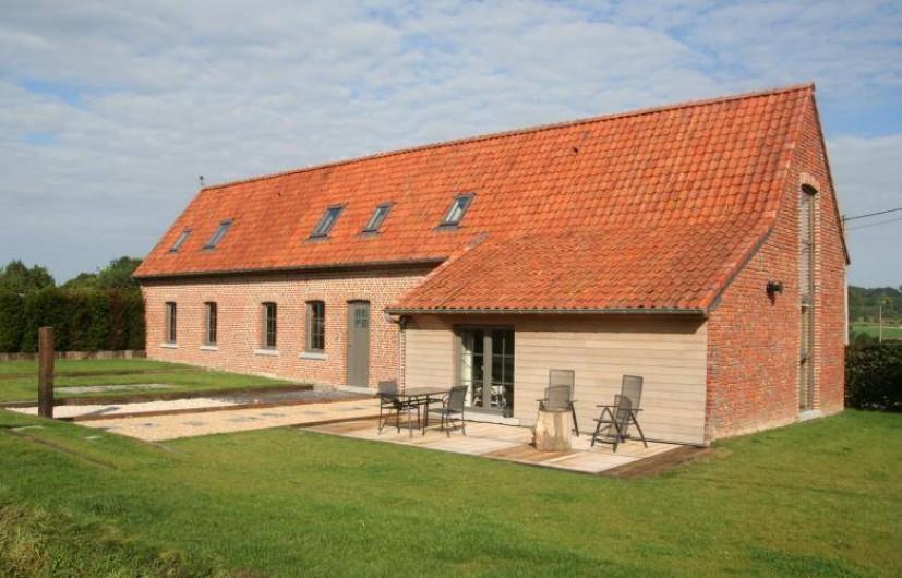 Location de vacances - Gîte à Wodecq - Maison typique de la région des collines datant de 1805. Remis à neuf en 2015