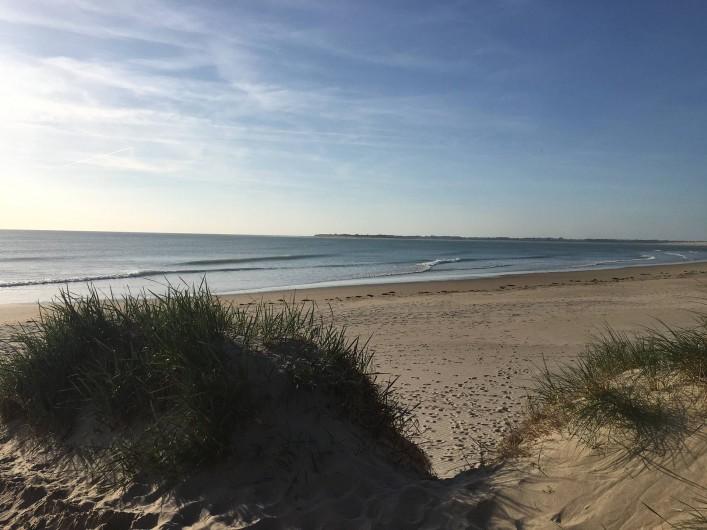 Location de vacances - Villa à Créances - La magnifique plage à 150M de la villa