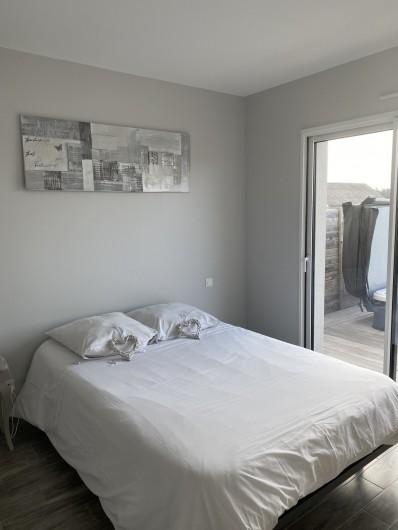 Location de vacances - Villa à Créances - La grande cuisine aménagée et entièrement équipée