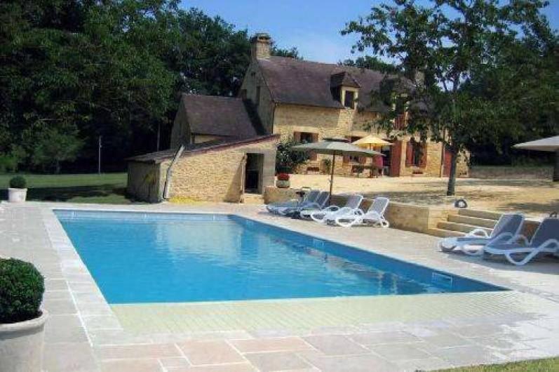 Maison  Vitrac En Dordogne En Aquitaine Avec Piscine Et Accs Priv