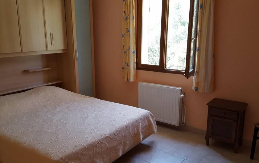 Location de vacances - Villa à Vins-sur-Caramy - Chambre 2 - 1er étage 1 lit double - 2 personnes