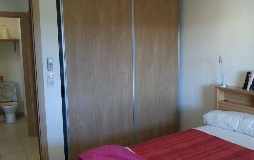 Location de vacances - Appartement à Porto-Vecchio - Placard dans chambre et WC indépendant