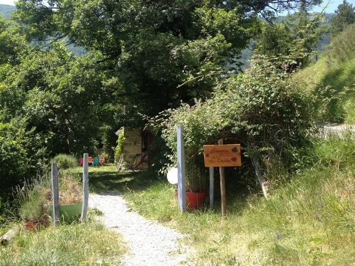 Location de vacances - Gîte à Saint-Julien-en-Quint - entrée principale
