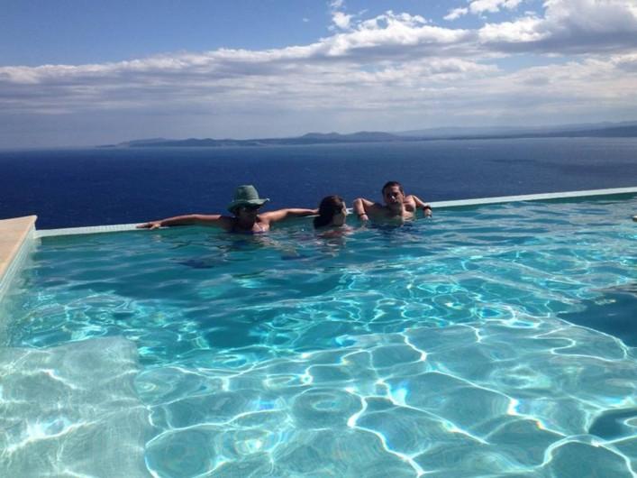 Location de vacances - Villa à Roses - Piscine chauffée sur mer plein sud