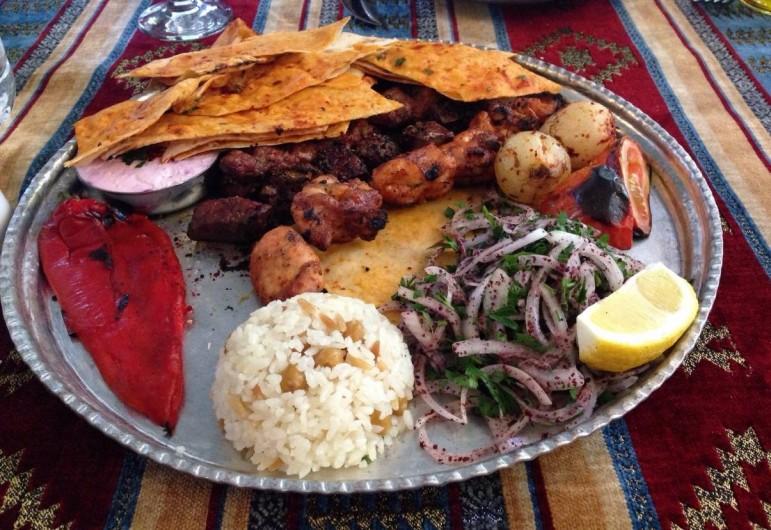 Location de vacances - Appartement à Fethiye - Une bonne selection de restaurants qui offrent une cuisine locale somptueuse